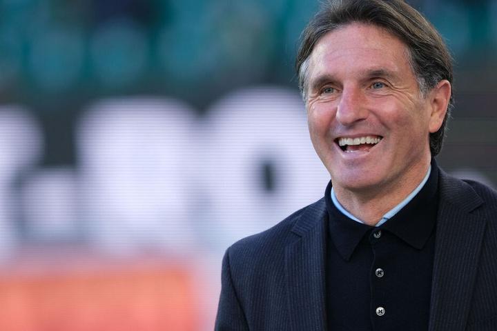 Der scheidende VfL Wolfsburg-Coach Bruno Labbadia (53) freut sich sehr über den Aufstieg von SV Waldhof Mannheim in die 3. Liga.