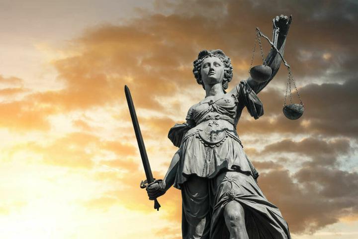 Der Mann muss sich ab Montag (9.30 Uhr) vor dem Berliner Landgericht verantworten. (Symbolbild)