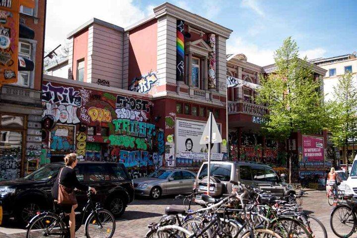Die Rote Flora im Schanzenviertel gilt als Kulturzentrum der Linksautonomen.