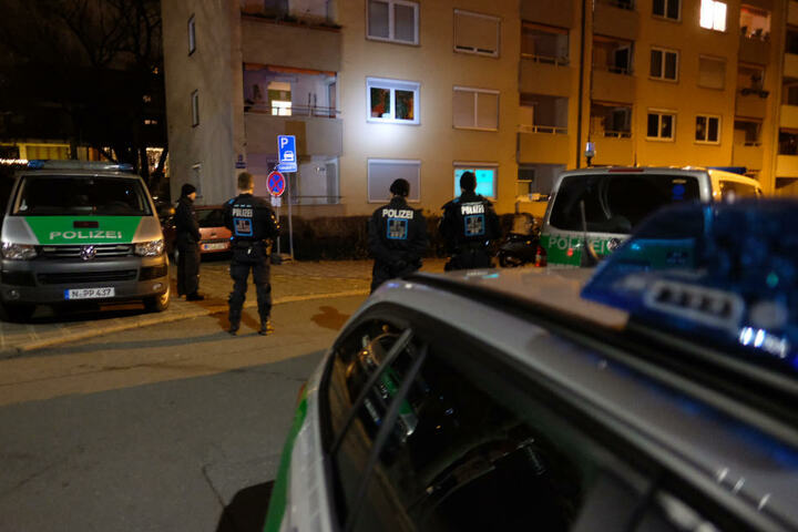 Die Polizei suchte intensiv nach dem Angreifer, der zuvor drei Frauen attackiert hatte. (Archivbild)
