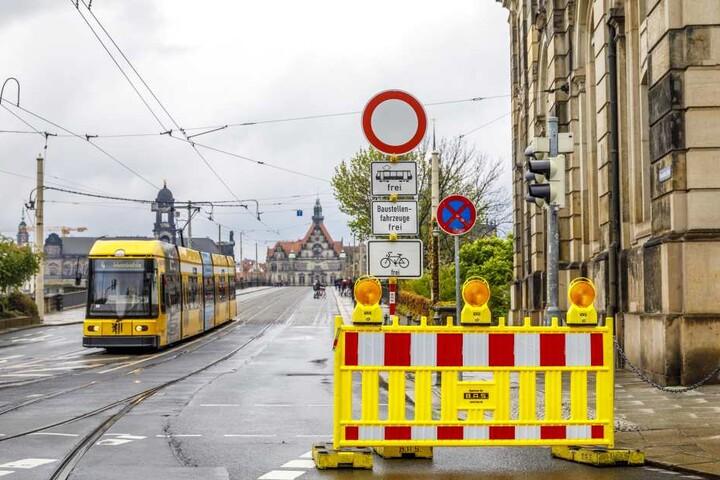 Einige Autofahrer wunderten sich am Dienstag über die gesperrte Elbquerung.