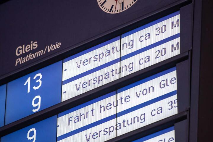 Vielfache Verspätungen sorgten für Unmut bei den Bahnfahrern. (Symbolbild)