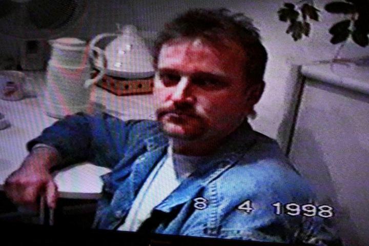 Das Bild zeigt den Verdächtigen im Jahr 1998.