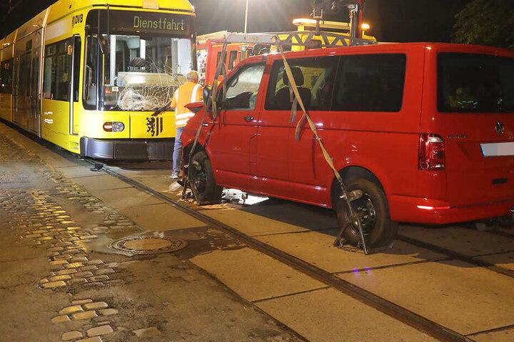 Warum die Frau auf der Loschwitzer Straße in die Bahn krachte, ist noch unklar.