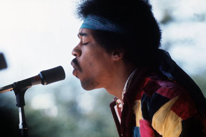 Jimi Hendrix, US-amerikanischer Rockstar, bei seinem Auftritt beim Popfestival auf der Ostsee-Insel Fehmarn.