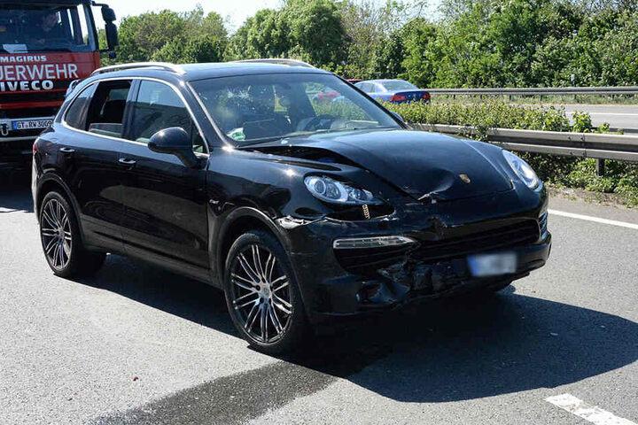Auch dieses Luxusauto von Porsche war involviert.