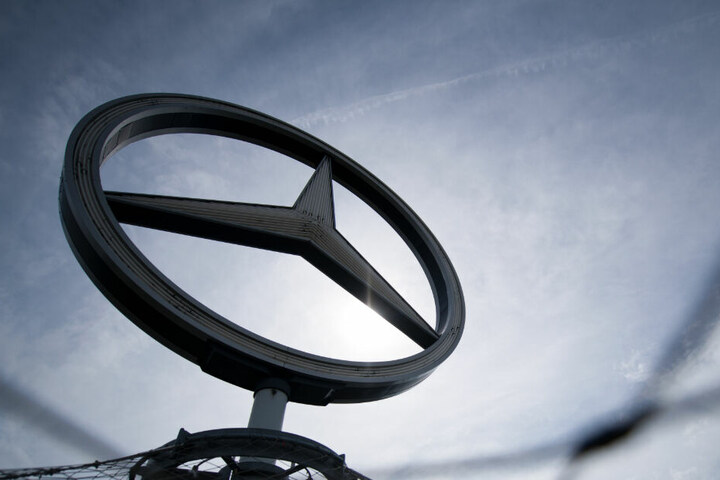 Die Daimler hält unter anderem 11,75 Prozent der Anteile an der VfB Stuttgart 1893 AG.