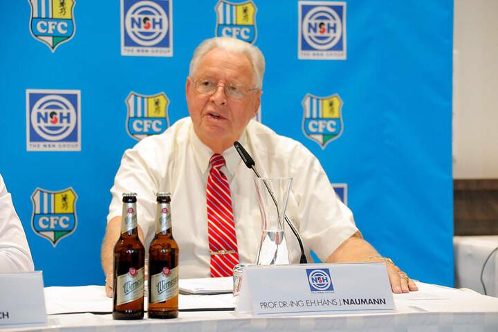 Es handelt sich um die ortsansässige Niles-Simmon-Hegenscheidt-Group, deren Firmenchef Prof. Hans J. Naumann ebenfalls bei der Pressekonferenz anwesend war und sein Engagement erklärte.