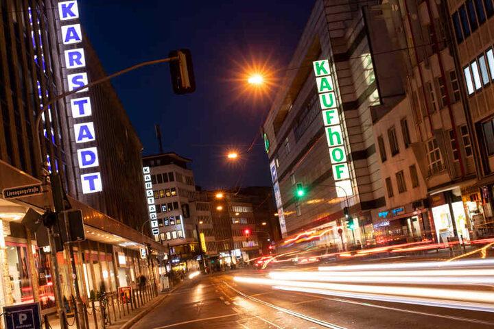 Karstadt und Kaufhof in Düsseldorf.
