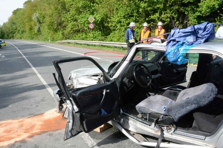 Der Mercedes-Fahrer hatte offenbar die Vorfahrt des Lkw missachtet.
