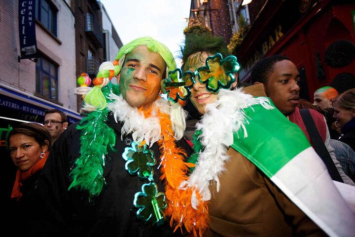 Auf dem RAW-Gelände wird der St. Patricks Day ordentlich gefeiert.