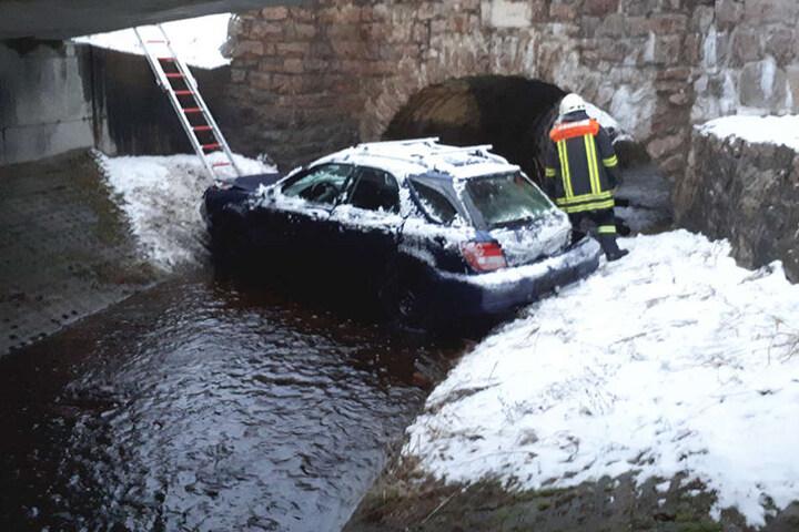 Das Auto war danach schrottreif.