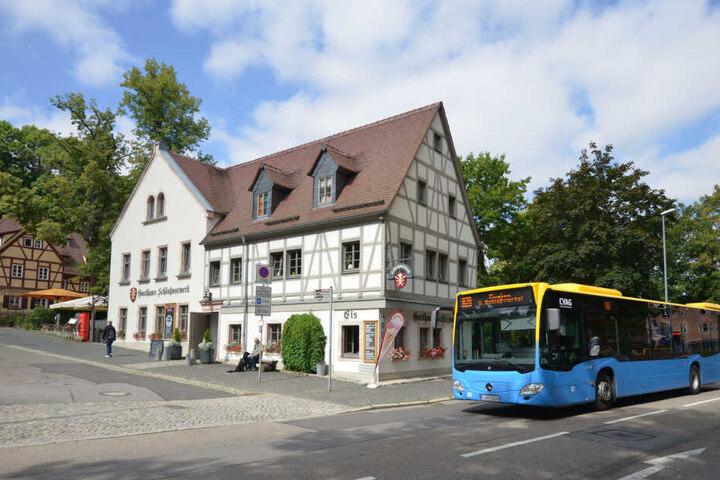 Touristen und Einheimische können auf der Linie 82 viele Chemnitzer Sehenswürdigkeiten, wie das Schloßviertel, entdecken.