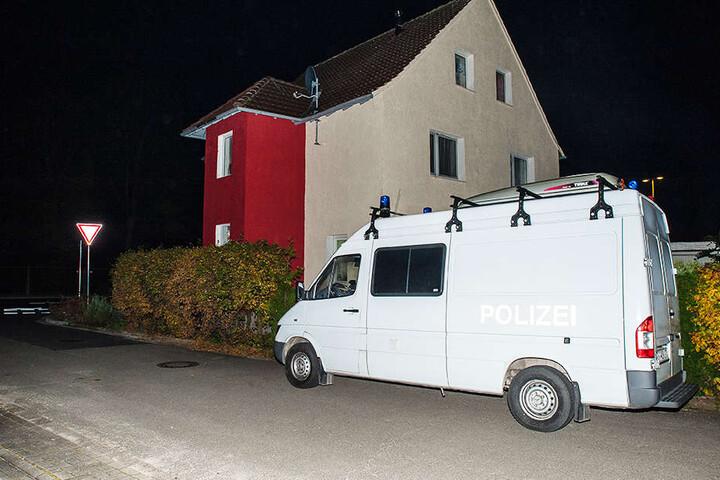Nach dem Vorfall kam die Spurensicherung nach Hiddenhausen.