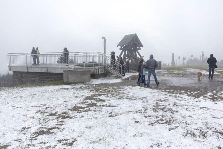 Auf dem Fichtelberg gab es am Sonntag schon einige Zentimeter Neuschnee.