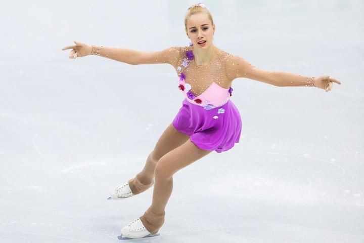 Auf dem Eis ist sie zu Hause, jetzt wagt sie sich aufs Tanzparkett: Mi dem Wiener Walzer will Lutricia Bock (18) weit vorn landen.