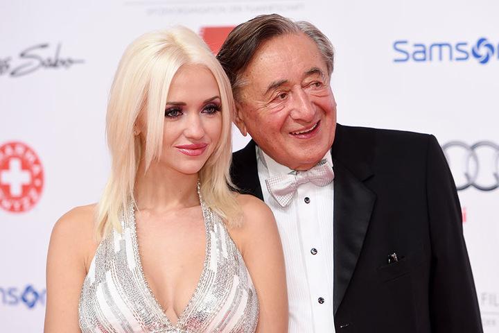"""Richard Lugner mit seiner letzten Ehefrau Cathy. Sie trug den Spitznamen """"Spatzi"""". Gefallen hat ihr dieser Name aber offenbar nicht."""