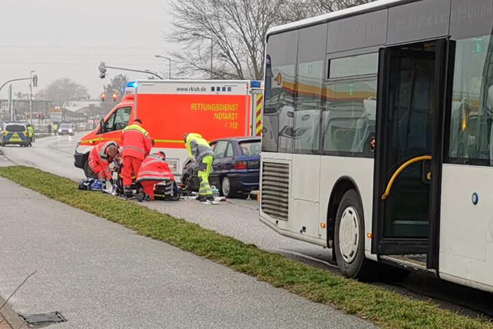 Die Rettungskräfte mussten den Mann bereits am Unfallort reanimieren.
