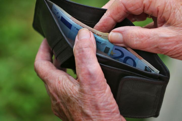 Eine Rentnerin aus Niederbayern hat die Quittung für einen Lottoschein lange in ihrem Geldbeutel mit sich herumgetragen. (Symbolbild)
