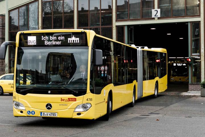 Die BVG stellte am Dienstag die neuen Busse vor.