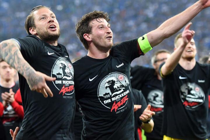 Eintracht Frankfurt und Marco Russ (l.) treffen im Finale des DFB-Pokals auf den FC Bayern München.