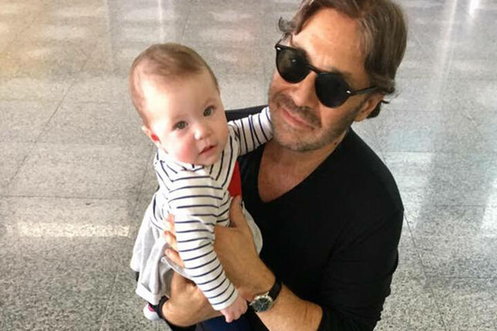 Die Gitarre und seine Tochter Ava begleiten Al Di Meola zu seinen Auftritten auf der ganzen  Welt.