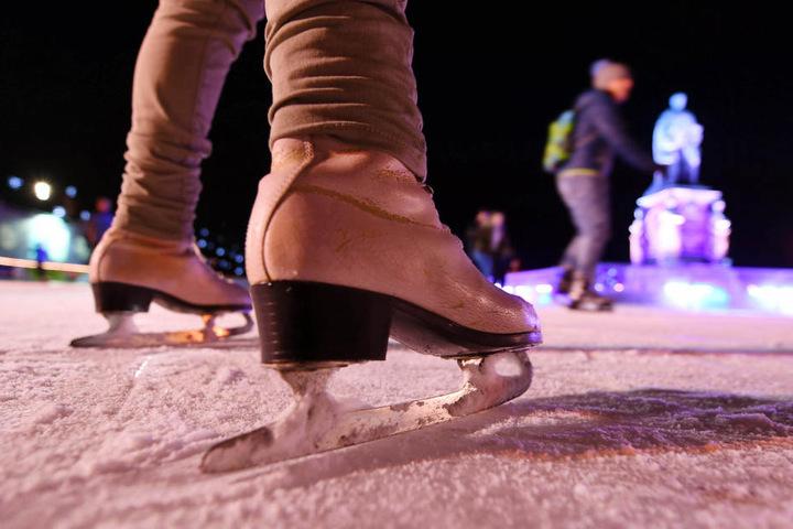 Auf dem Eis kann man sich am Wochenende in Erfurt austoben.