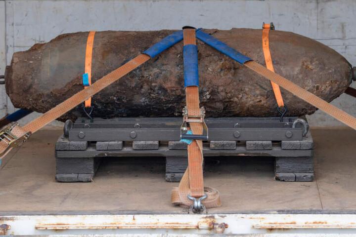 Das Foto zeigt die entschärfte 500 Kilogramm schwere amerikanische Fliegerbombe.