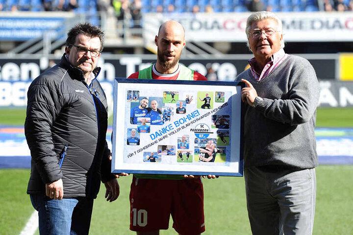 Die Vereinsführung des SCP verabschiedete vor dem Spiel den langjährigen Club-Kicker Daniel Brückner. Rechts Martin Hornberger und links Wilfried Finke.