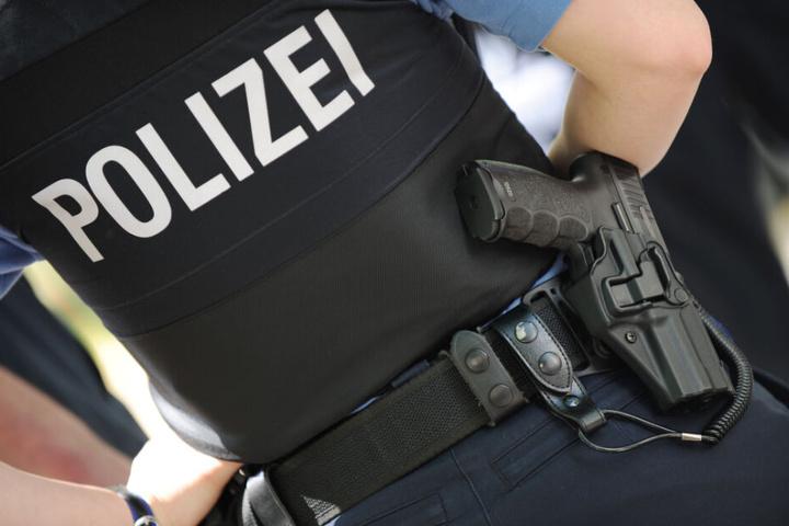 Die Ermittler durchsuchten fünf Gebäude im Raum Rosenheim. (Symbolbild)