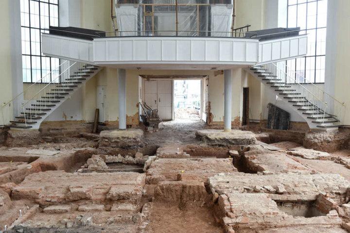 Die menschlichen Überreste von 40 Erwachsenen und Kindern befanden sich in gemauerten Gewölben.