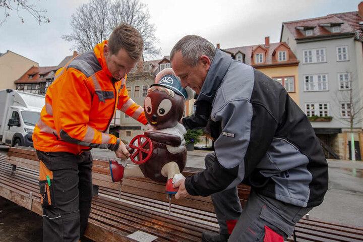 Markus Stegmann (li.) und Hagen Wehrstedt bauten Pitti wieder auf.