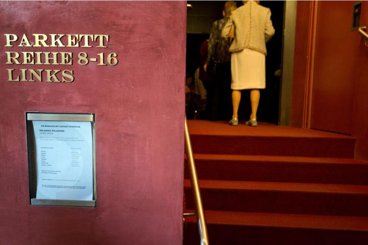Im Theater Bielefeld wird am Sonntag ein Zwei-Personen Stück aufgeführt.
