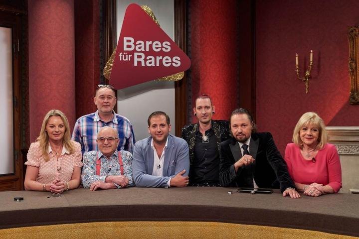 """Das Händler-Team in der beliebten TV-Show """"Bares für Rares"""" im ZDF."""