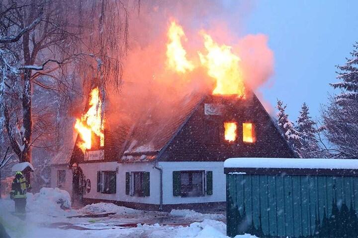 Am 9. Januar brannte die Waldschänke ab.