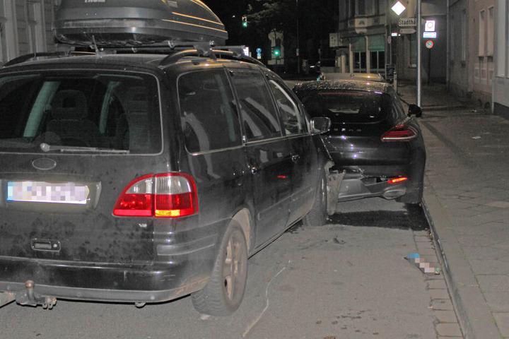 Der Ford Galaxy war nach dem Unfall ebenfalls kaputt.