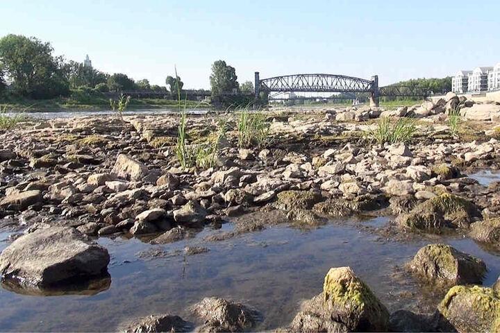 Steine und Geröll, wo bis vor kurzem noch das Wasser sprudelte...