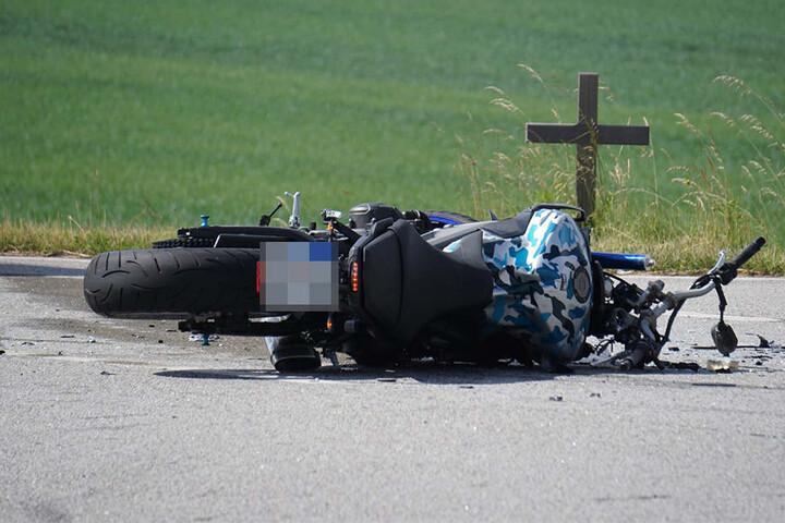 Bereits im letzten Jahr soll an dieser Stelle ein Motorradfahrer gestorben sein.
