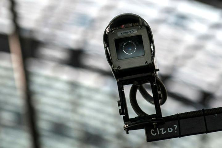 Kameras sollen an der Zentralhalstestelle Ganoven künftig das Leben schwerer machen.