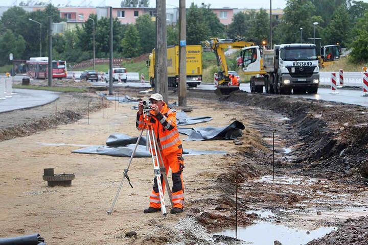Der letzte Bauabschnitt des Trassenneubaus in Eckersbach ist 1,1 Kilometer  lang und kostet insgesamt 2,8 Millionen Euro.