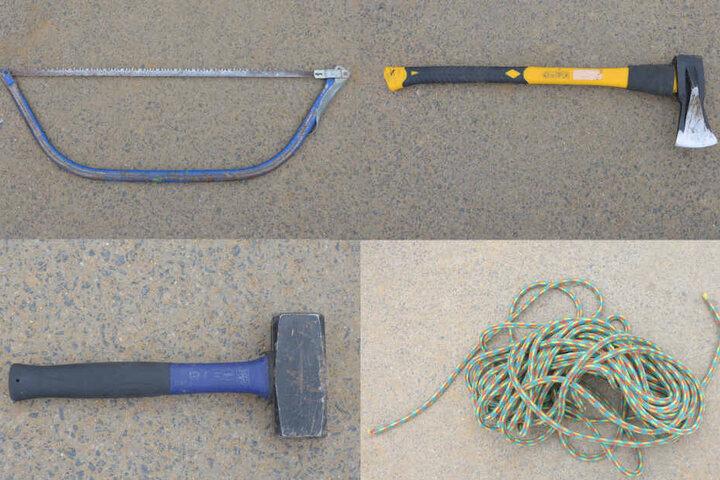 Die Polizei Aachen fand dieses Werkzeug im Wald.