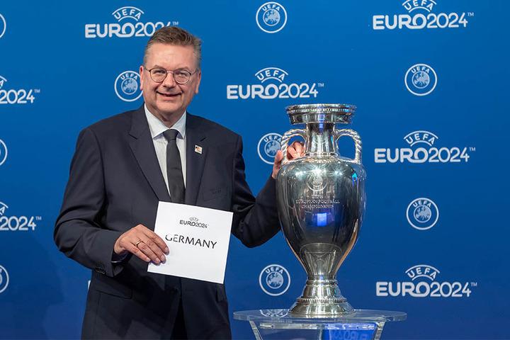 DFB-Präsident Reinhard Grindel holte die Europameisterschaft 2024 nach Deutschland.