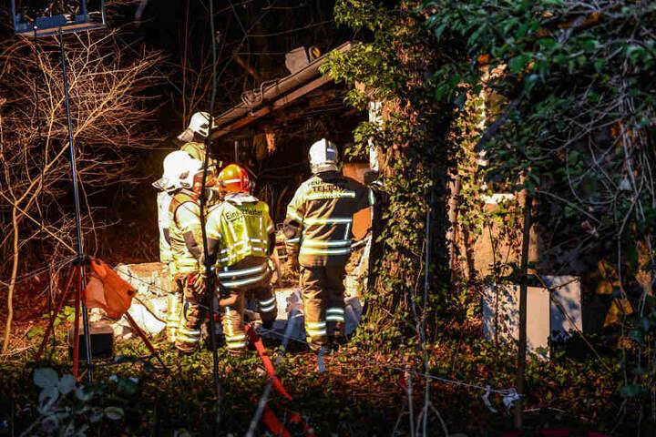 Bei der Explosion in diesem Bungalow wurde ein Mann schwer verletzt.