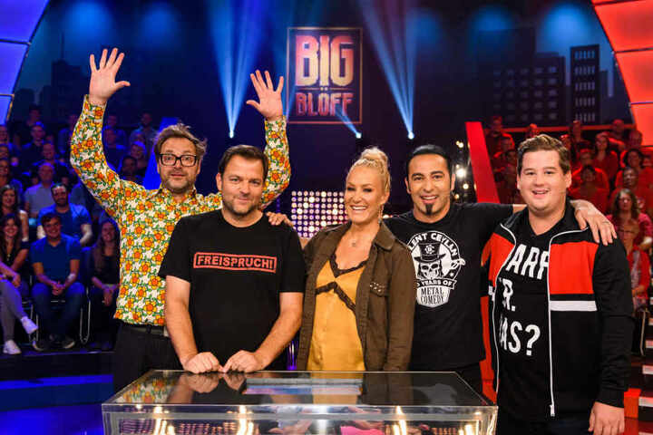 "Paul Panzer (l-r), Martin Rütter, Janine Kunze, Bülent Ceylan und Chris Tall in der neuen Sat.1-Comedy-Show ""Big Blöff""."