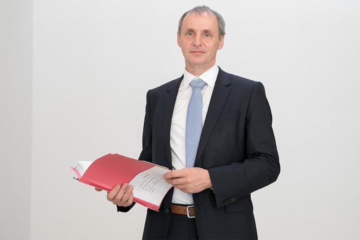 Paul Köhne, Anwalt von Björn L., erklärte im Amtsgericht das Dilemma der Dashcam-Nutzer.