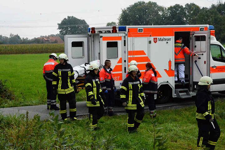 Nach notärztlicher Erstversorgung kam der 68-Jährige schwer verletzt ins Krankenhaus.