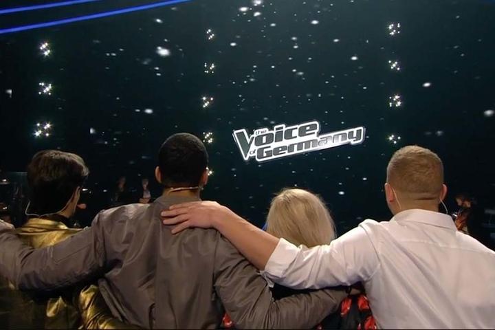 Gemeinsam fieberten die Kandidaten dem Zuschauer-Voting entgegen.