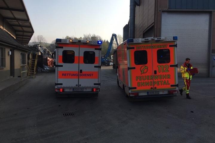 Feuerwehr und Rettungsdienst waren mit 24 Einsatzkräften vor Ort.