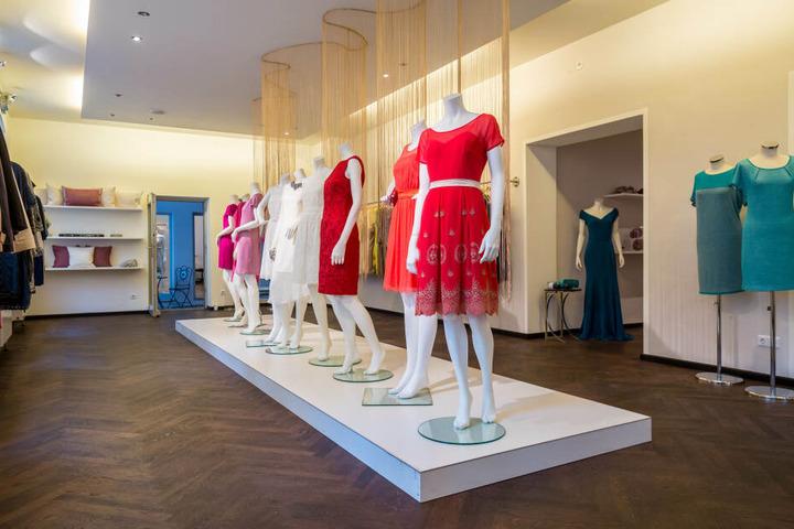 Auch schicke Couture-Kleider sind für die Textima kein Problem.