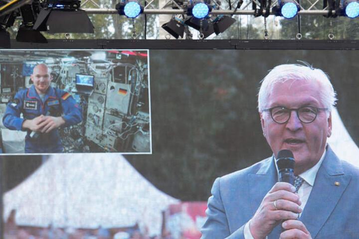 Das Staatsoberhaupt im Live-Gespräch mit dem deutschen Astronauten Alexander Gerst (42).